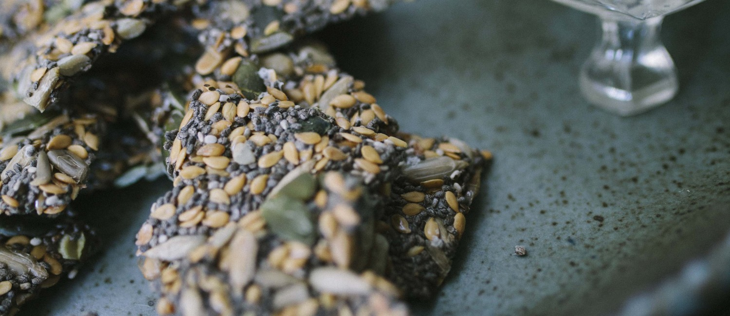Simple Superseed Crackers